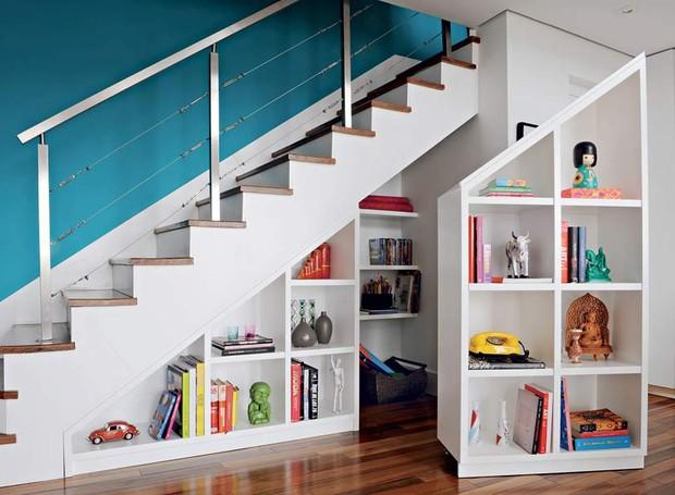 prateleiras-escada-nichos-modulos-rodizios