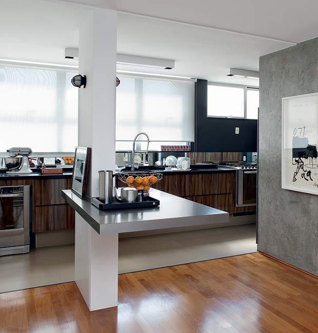 sala-de-jantar-cozinha-coluna-estrutural-mesa-de-apoio-bar